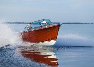 Elektro-Motorboot 600 Sprint mit Mahagonideck und furniertem Rumpf