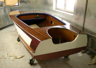 """Renovierung eines 60er-Jahre Motorbootes vom Typ """"Sprint"""""""