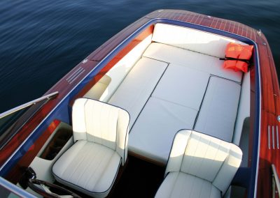 Elektro-Motorboot 600 Sprint mit Mahagonideck und variabler Liegefläche