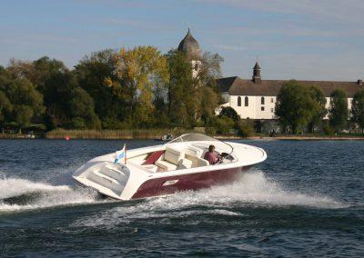 Elektromotorboot 820 Sprint - mit Kunststoffdeck und farbigem Rumpf