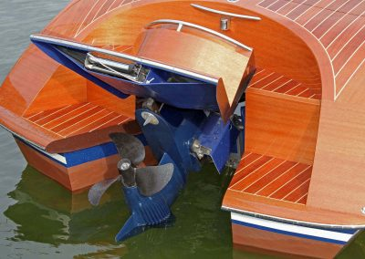 Elektromotorboot 820 Sprint - mit angehobenem Motor