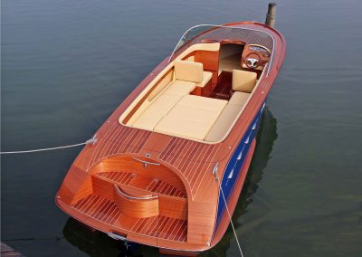 Elektromotorboot 820 Sprint - mit Mahagonideck und farbigem Rumpf