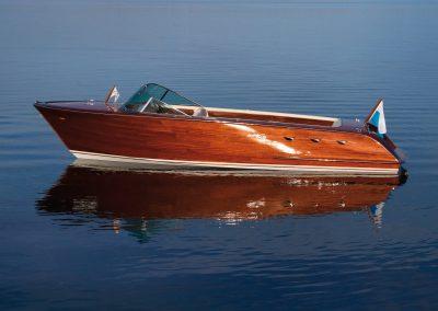 Elektro-Motorboot 670 Sprint mit furniertem Rumpf und Mahagonideck