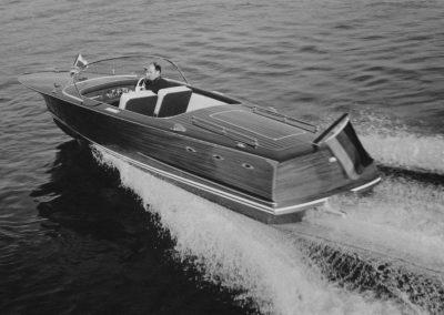 """Motorboot """"Delphin-L"""" 150 PS 1966"""