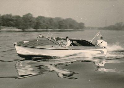 Motorboot 90 PS am Rhein 1963