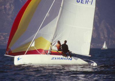 Zirron - modernes Gleitkielboot