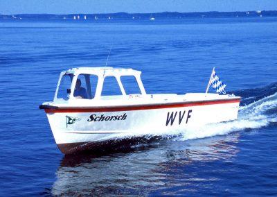 Bojenleger-Motorboot für den Wassersportverein Fraueninsel